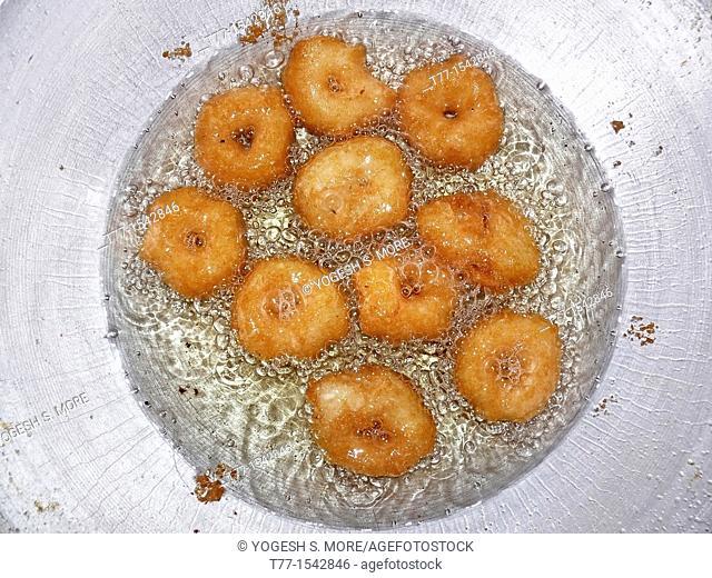 Vegetarian, south indian snacks, medu vada, india