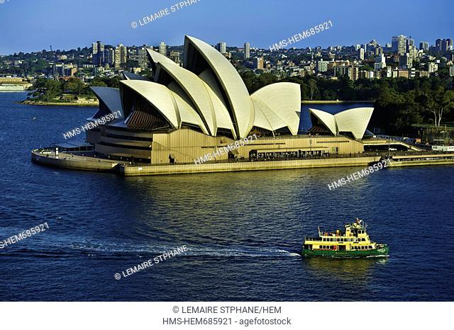 Australia, New South Wales, Sydney, The Sydney Opera House by the architec Jrn Utzon listed World Heritage by UNESCO and the the bay of Circular Quay