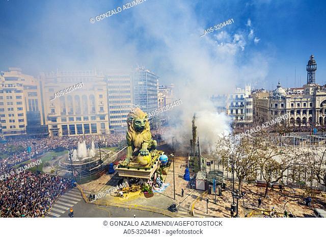 Mascleta. Fire crackers during Fallas festival. Valencia. Valencian Community. Spain