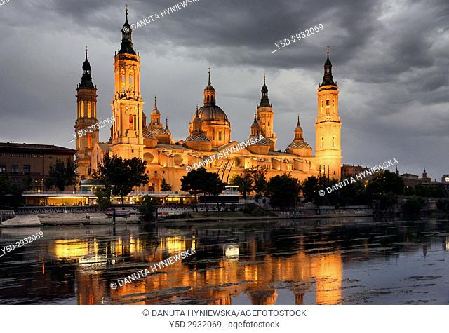 Catedral-Basílica de Nuestra Señora del Pilar de Zaragoza, Cathedral-Basilica of Our Lady of the Pillar, view from Puente de Piedra bridge over Ebro river