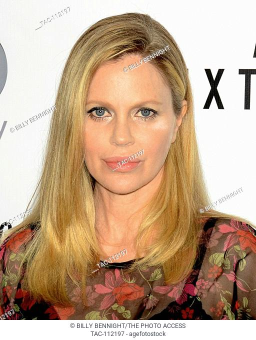 """Kristen Bauer van Straten arrives at the Los Angeles premiere of the Discovery Channel's """"""""Racing Extinction"""""""" in West Hollywood"""