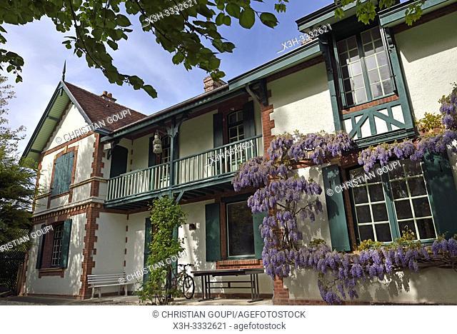"""Villa """"""""La Guillette"""""""" ayant appartenu a l'ecrivain Guy de Maupassant, Etretat, departement de Seine-Maritime, region Normandie"""