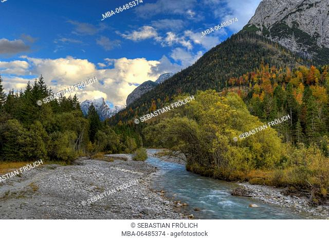 Stream course in the autumnal Karwendel mountains
