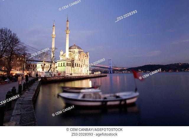 Ortakoy Mecidiye mosque and Bosphorus bridge, Istanbul, Turkey, Europe