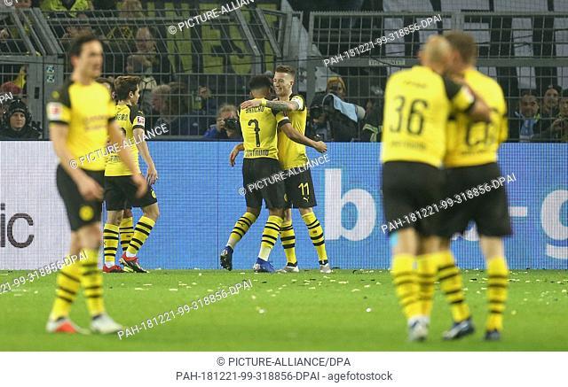 21 December 2018, North Rhine-Westphalia, Dortmund: Soccer: Bundesliga, Borussia Dortmund - Borussia Mönchengladbach, 17th matchday at Signal Iduna Park