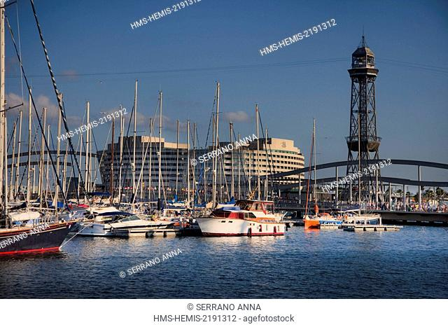 Spain, Catalonia, Barcelona, Old Harbor, Old Port, Port Vell, Rambla de Mar Bridge, World Trade Center building and Teleferic Tower in background