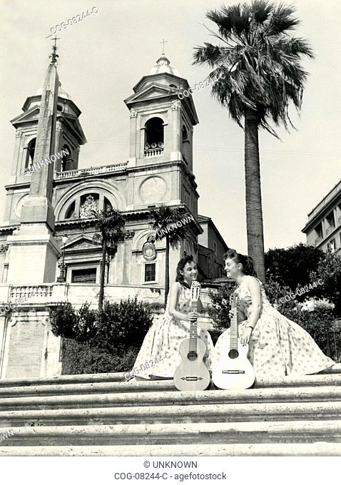 The duo Jolly on the steps of Piazza di Spagna , Rome, Italy