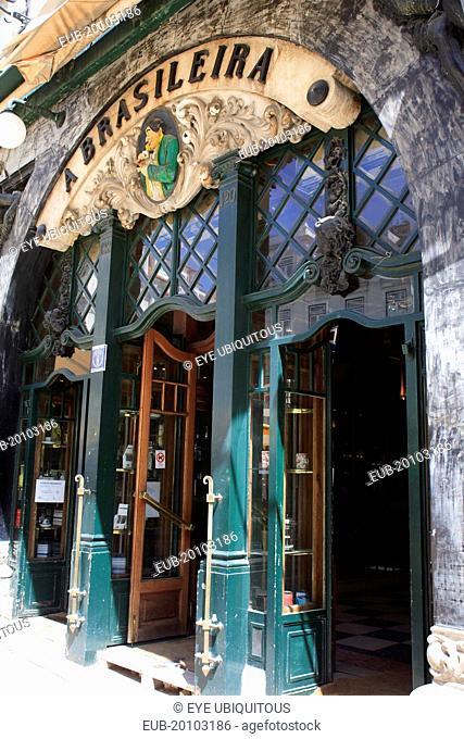Cafe a Brasileira exterior and entrance