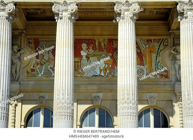France, Paris, Grand Palais, detail of inside friezes of the peristyle of the main facade designed by Henri Deglane