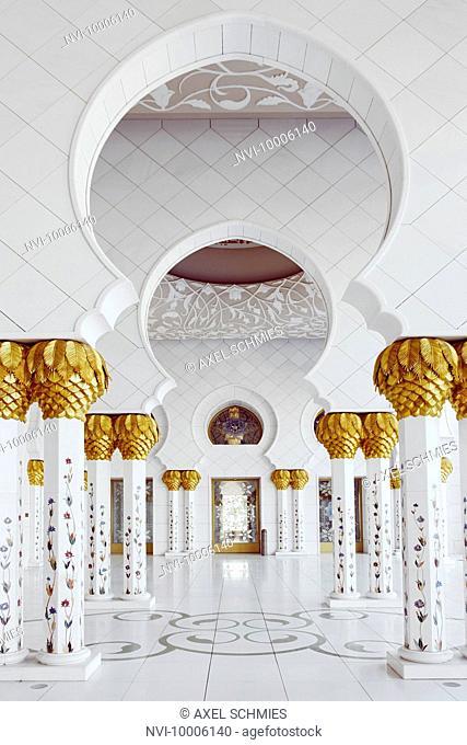 Inner courtyard, Sheikh Zayed Grand Mosque, Abu Dhabi, United Arab Emirates