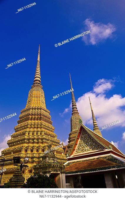 Chedi stupas, Wat Pho Wat Po, Temple of the Reclining Buddha, Bangkok, Thailand
