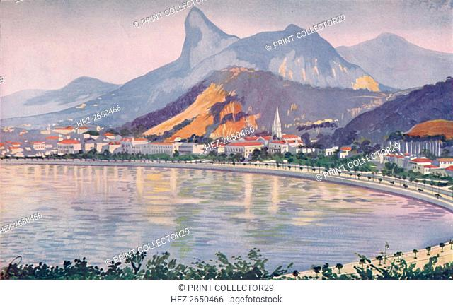 'The Botafogo portion of Rio's Bay-side Avenue, overlooked by Corcovado Mountain', 1914. Artist: Unknown