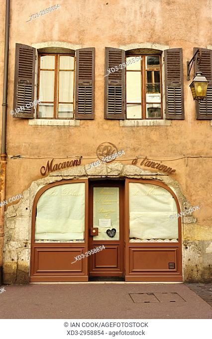 macaroon shop, Annecy, Haute-Savoie department, Auvergne-Rhône-Alpes, France