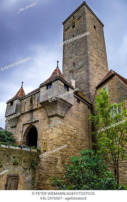 Castle Gate, Rothenburg ob der Tauber, Romantic Road, Franconia, Bavaria, Germany, Europe