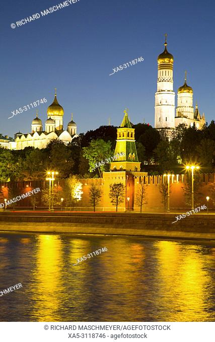 Evening, Moscow River, Kremlin, UNESCO World Heritage Site, Moscow, Russia