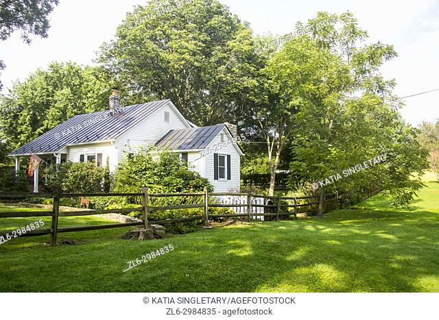 Incredibly charming and typical small houses in a small upper class farm town, Upperville in Virginia Virginia farm and country side roads