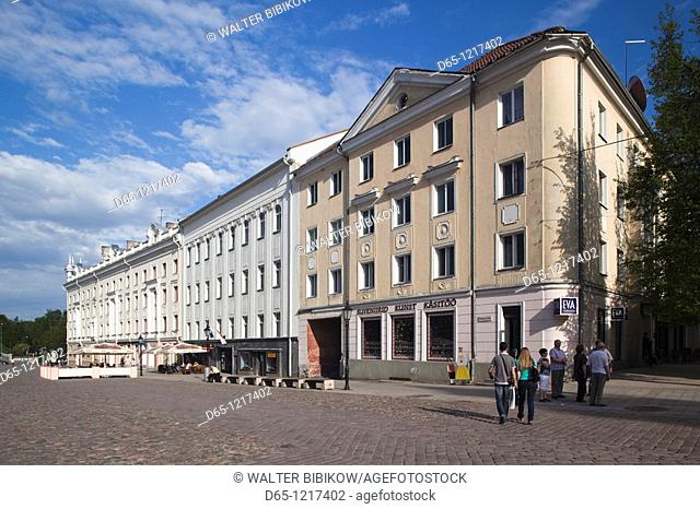 Estonia, Southeastern Estonia, Tartu, Raekoja Plats, Town Hall Square, late afternoon