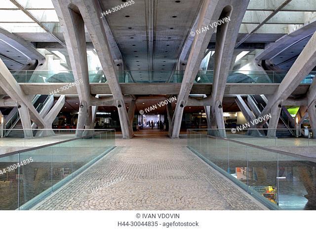 Oriente Station (Gare do Oriente), modern architecture, Lisbon, Portugal