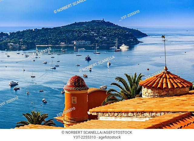 Europe, France, French Riviera, Alpes-Maritimes, Villefrance-sur-Mer. The bay and Cap Ferrat