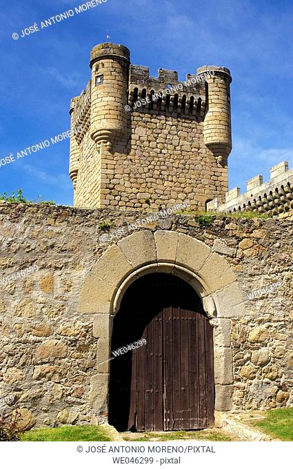 Castle. Oropesa. Toledo province, Spain