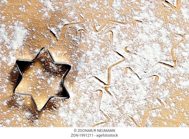 Sternform im Mehl