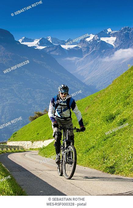 South Tyrol, Vinschgau, Mals, mountainbiker