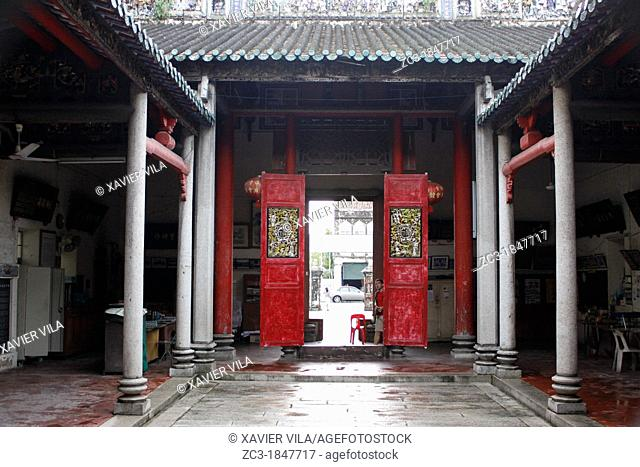 Traditional buddhist temple, Georgetown, Penang hill, Malaysia