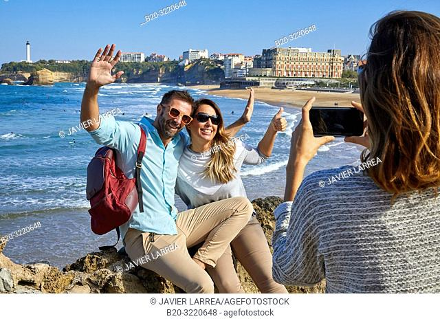 Guide with tourists, Tour, Basque Coast, Biarritz, Aquitaine, Pyrenees Atlantiques, France, Europe