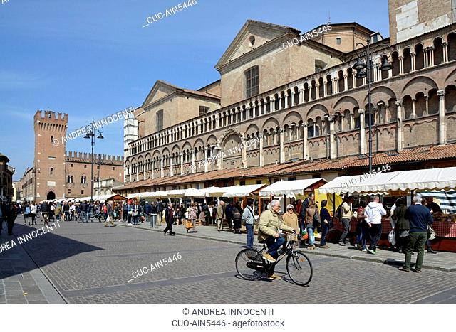 Piazza Trento e Trieste, Ferrara, Historic center, Market near the Cathedral, Italy, Europe, Emilia Romagna