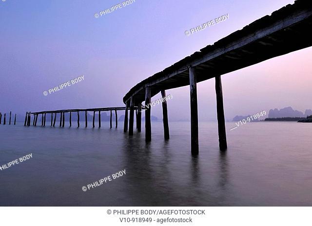 Vietnam, Ha Long bay a World heritage site of UNESCO, Van Don island, Bai Dai beach, pontoon