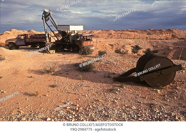 lunar landscape with extreme temperatures on this land with opal mines north of Coober Pedy, Southern Australia 2000