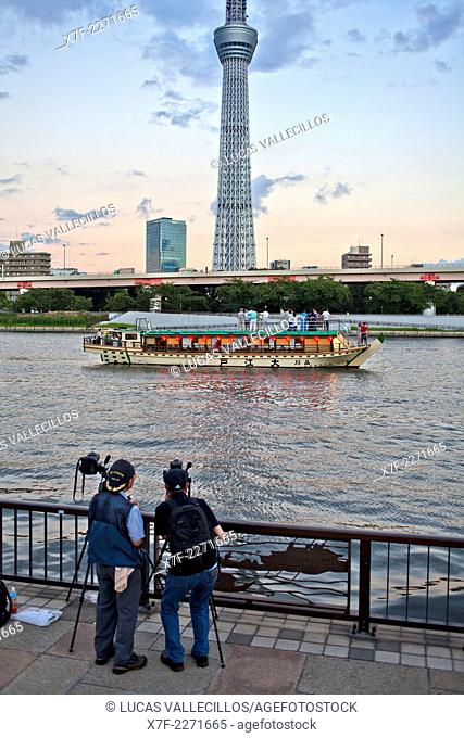 photographs.Sky Tree from Sumidagawa river, Asakusa District, Tokyo, Japan