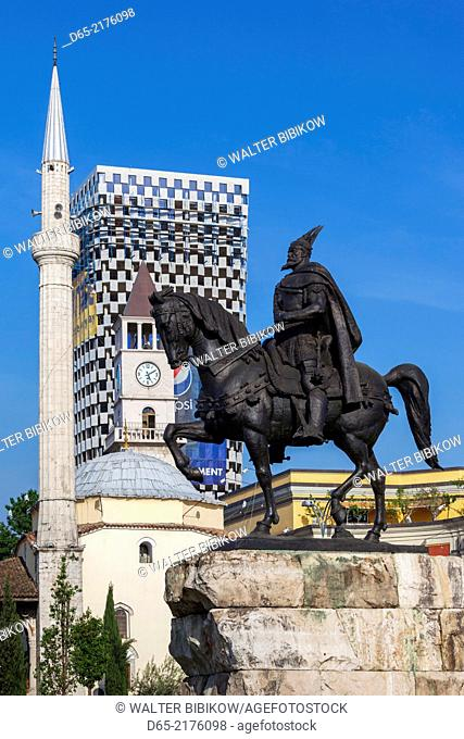 Albania, Tirana, Skanderbeg Square, Ethem Bey Mosque and statue of Skanderbeg