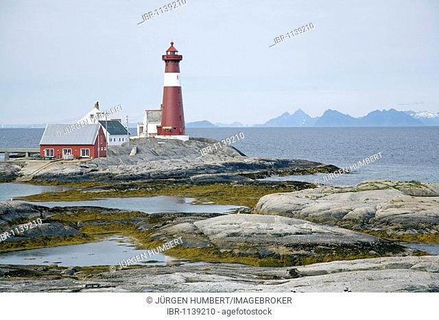 Tranøy Fyr lighthouse overlooking the Lofoten, Hamarøy, Vestfjord, Nordland, Norway