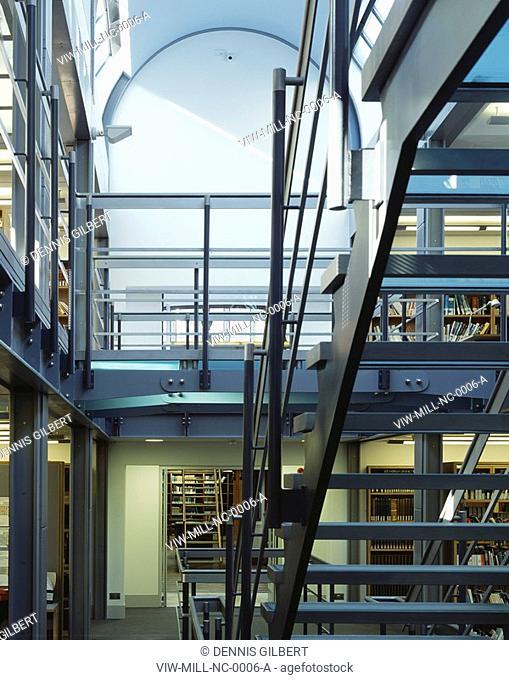 NEWNHAM COLLEGE LIBRARY, NEWNHAM COLLEGE, CAMBRIDGE, CAMBRIDGESHIRE, UK, JOHN MILLER & PARTNERS, INTERIOR, GLASS AND STEEL STAIR