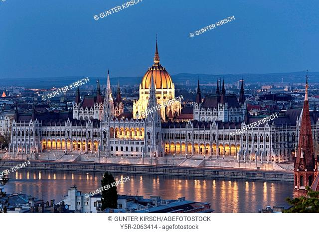 View over the Danube river to the world largest parliament, 268m long, 118m wide and with 691 rooms, the dome is 96 meters high