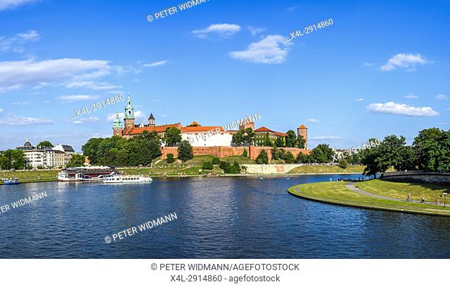 Krakow, river Weichsel, royal palace on Wawel