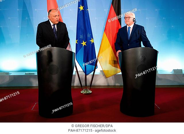 The German Foreign Minister Frank-Walter Steinmeier (SPD) with the Egyptian Foreign Minister Sameh Shukri (L) after concluding bilateral talks in Berlin