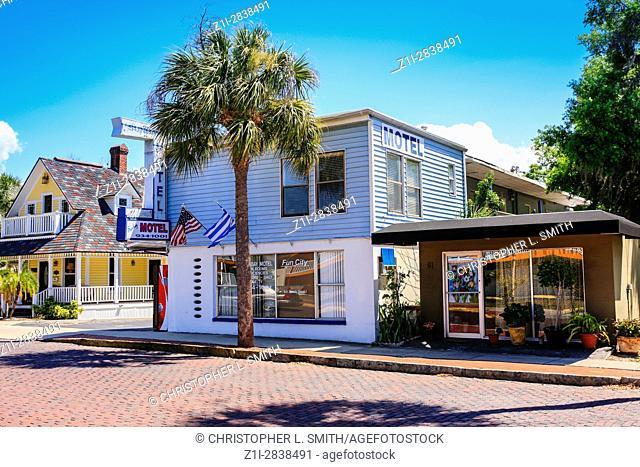 Sunbay Motel on Tarpon Avenue in Tarpon Springs, Florida