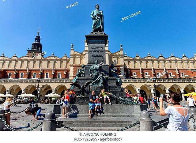Adam-Mickiewicz-Denkmal, Hauptmarkt, Krakau, Polen