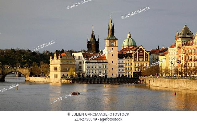 Czech Republic, Prague, historic centre listed as World Heritage by UNESCO, the Old Town (Stare Mesto), the Vltava River and the Charles Bridge (Karluv Most)