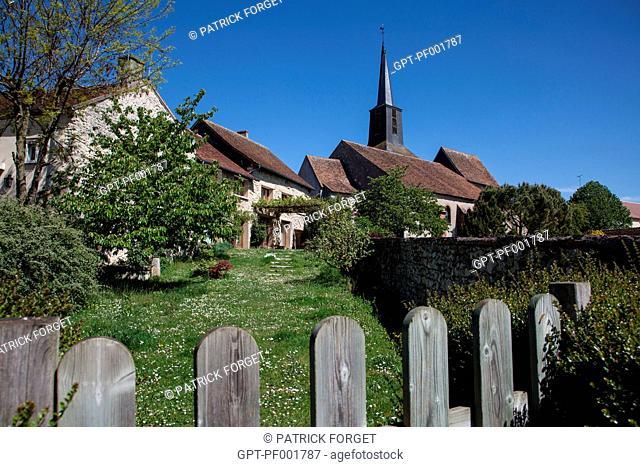 CHURCH AND VILLAGE OF OUSSON-SUR-LOIRE, LOIRET 45, FRANCE