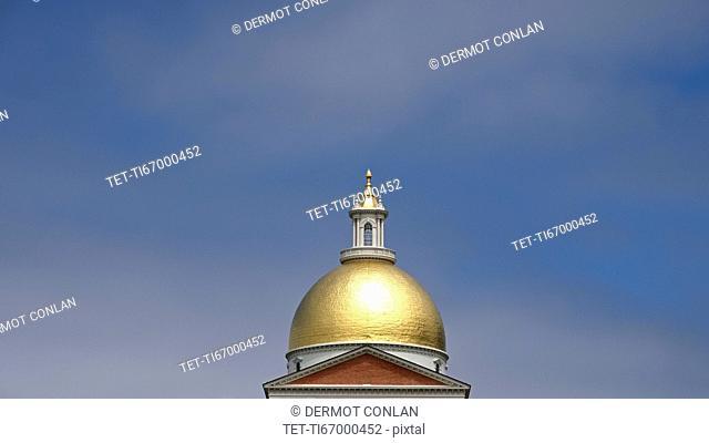 Massachusetts, Boston, Massachusetts State House dome in Beacon Hill