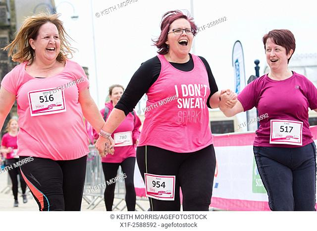 Aberystwyth Wales UK, Sunday 16 May 2015. . 1900 women and girls of all ages taking part in the annual Cancer Reserach charity fund-raising Race for Life...