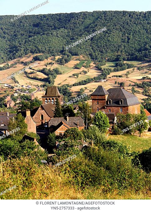 View on the village of Pruines, Puech, Aveyron, Occitanie, Midi, Pyrénées