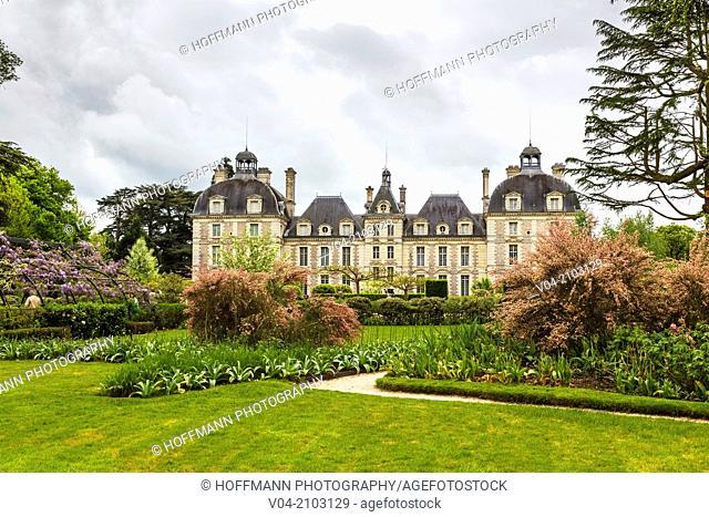 The beautiful Château de Cheverny (Cheverny Castle) in the Loire Valley, Loir-et-Cher, France, Europe