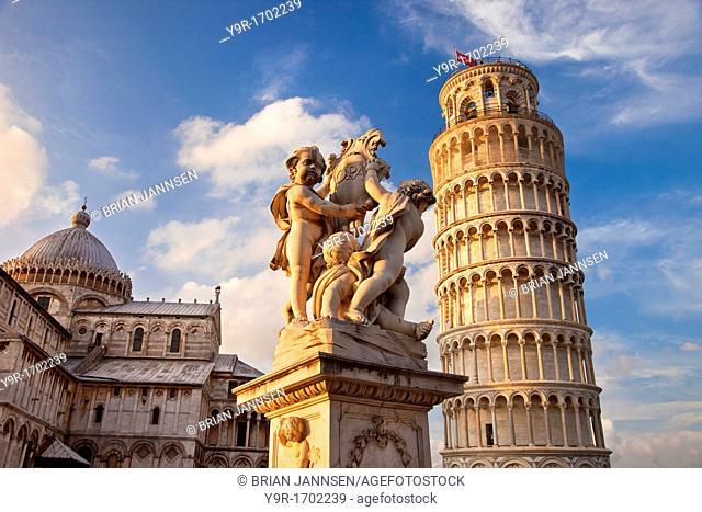Leaning Tower of Pisa and Duomo Santa Maria Assunta, Pisa, Tuscany Italy