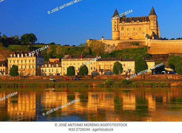 Saumur, Castle, Chateau de Saumur, Saumur Castle, Dawn, Maine et Loire, Loire Valley, Loire River, Val de Loire, UNESCO World Heritage Site, France