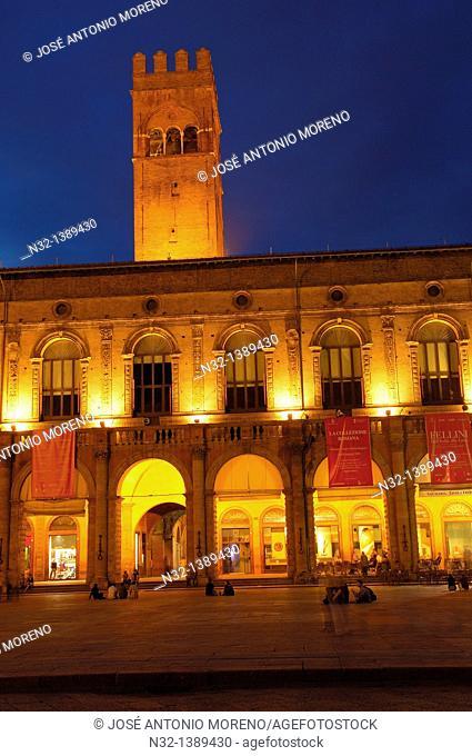 Bologna, palazzo del podestà, Podesta Palace, Piazza Maggiore Main Square, Emilia Romagna, Italy