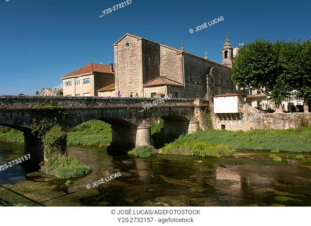 Santiago church and bridge on the river Sar, Padron, La Coruña province, Region of Galicia, Spain, Europe